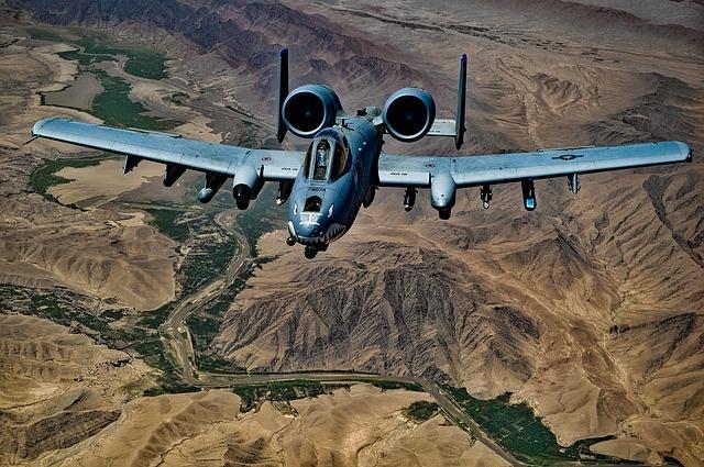 a-10-thunderbolt-1708096_640.jpg